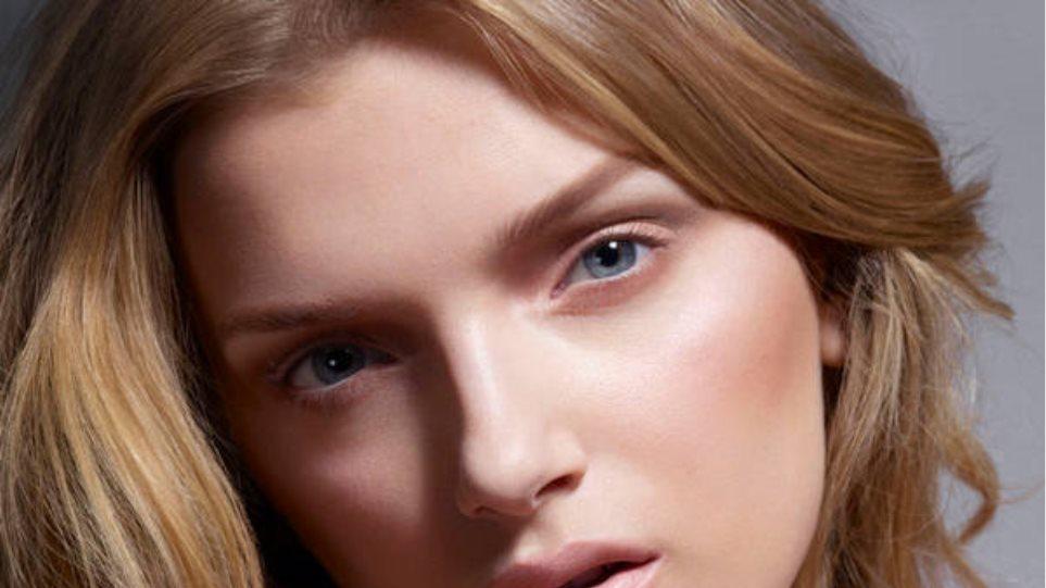 Lily Donaldson: Διάφανη ομορφιά!