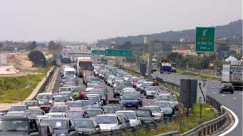 Αυξημένη η κίνηση στις εξόδους της Θεσσαλονίκης