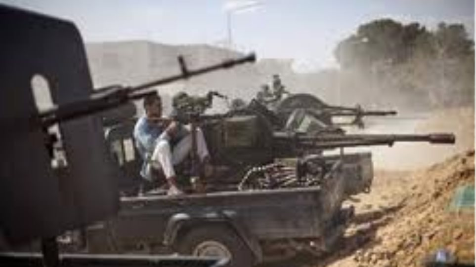 Μπήκαν στη Σύρτη οι εξεγερμένοι της Λιβύης