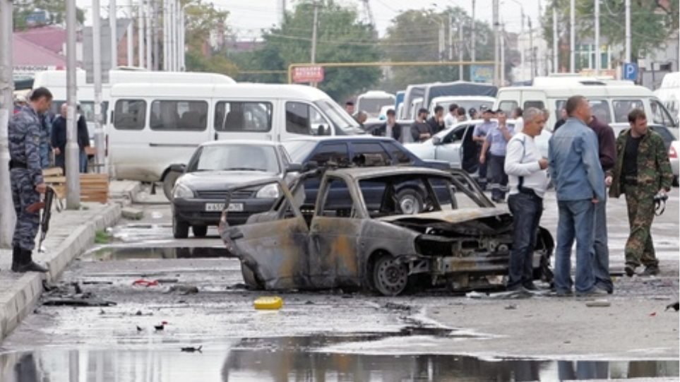 Eπίθεση αυτοκτονίας σε κηδεία στο Πακιστάν