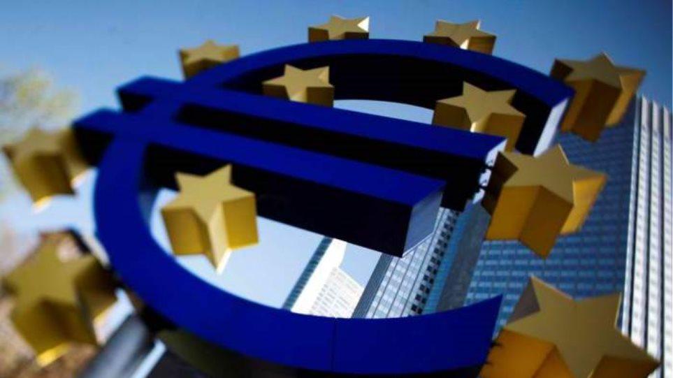 Έκτακτη συνάντηση τραπεζιτών για το ελληνικό χρέος
