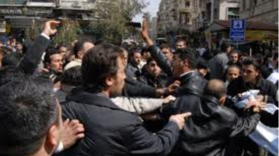 Οι ΗΠΑ καλούν τους Αμερικανούς να εγκαταλείψουν τη Συρία