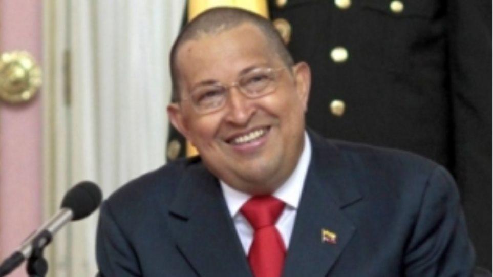 Ο πρόεδρος Τσάβες αναχωρεί για την Κούβα
