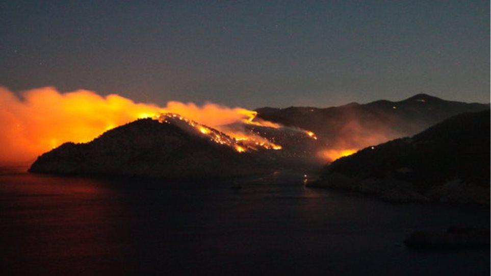 Φωτιά στην Ίμπιζα αναστάτωσε ντόπιους και τουρίστες
