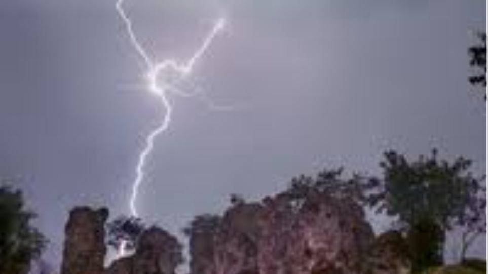 Κεραυνός φίμωσε την  ΕΛΑΣ στο Μεσολόγγι!