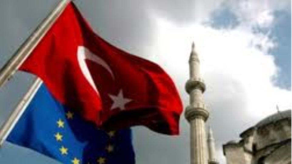 ΕΕ: Κρούει τον κώδωνα στην Τουρκία για την Κύπρο