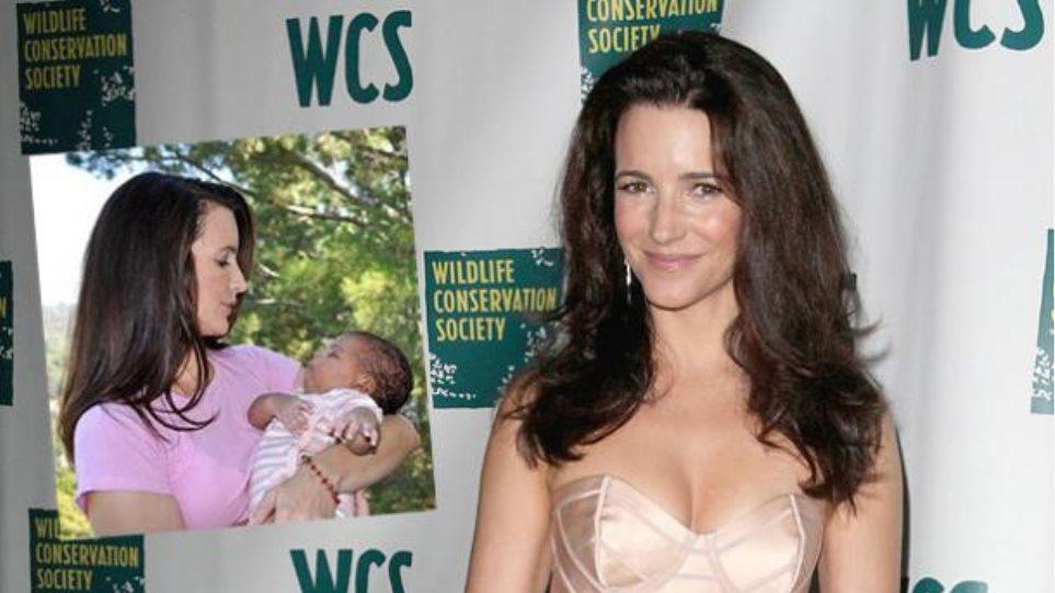 Η Kristin Davis υιοθέτησε μωρό