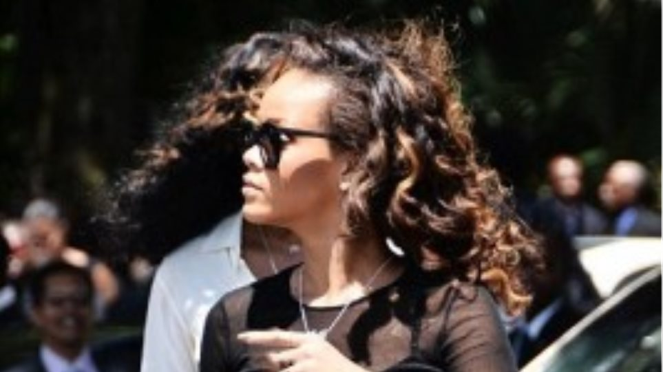 Rihanna: Κομψή και στις δύσκολες στιγμές