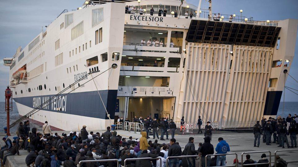 Στρατιώτες-«ασπίδες» στα ιταλικά εμπορικά πλοία