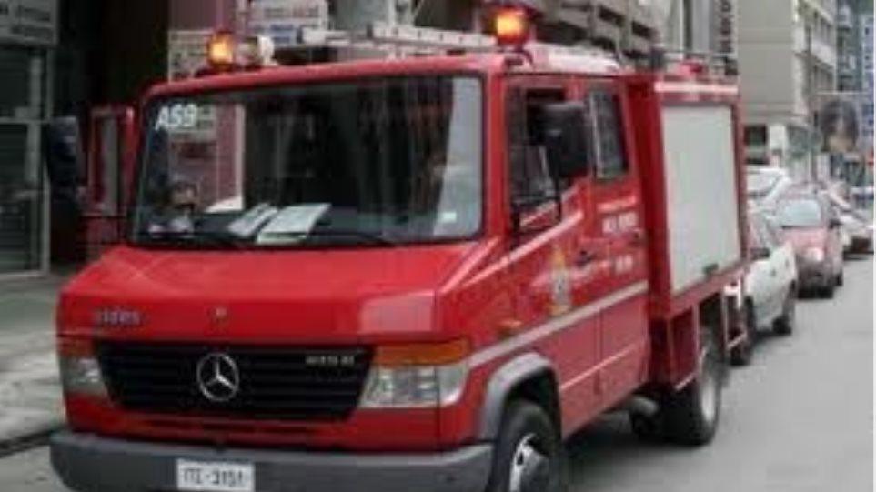 Φωτιά σε εγκαταλειμμένα IX στα Φάρσαλα