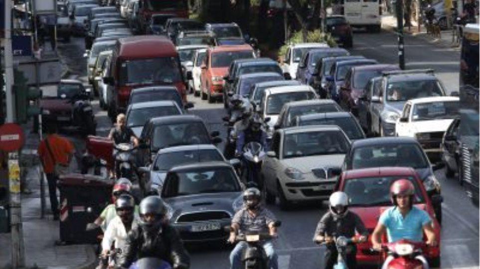 Κυκλοφοριακό «έμφραγμα» στους δρόμους από τροχαία