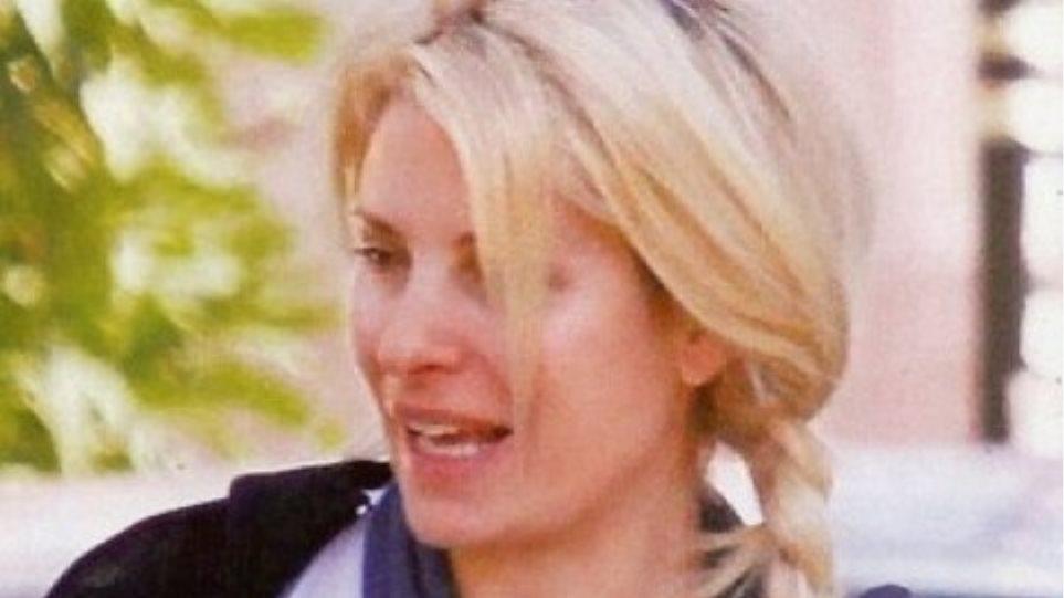 Όταν ο φακός «τσάκωσε» την Ελένη Μενεγάκη χωρίς ίχνος μακιγιάζ