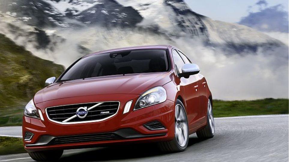 Volvo S60: Πετρέλαιο ή βενζίνη;