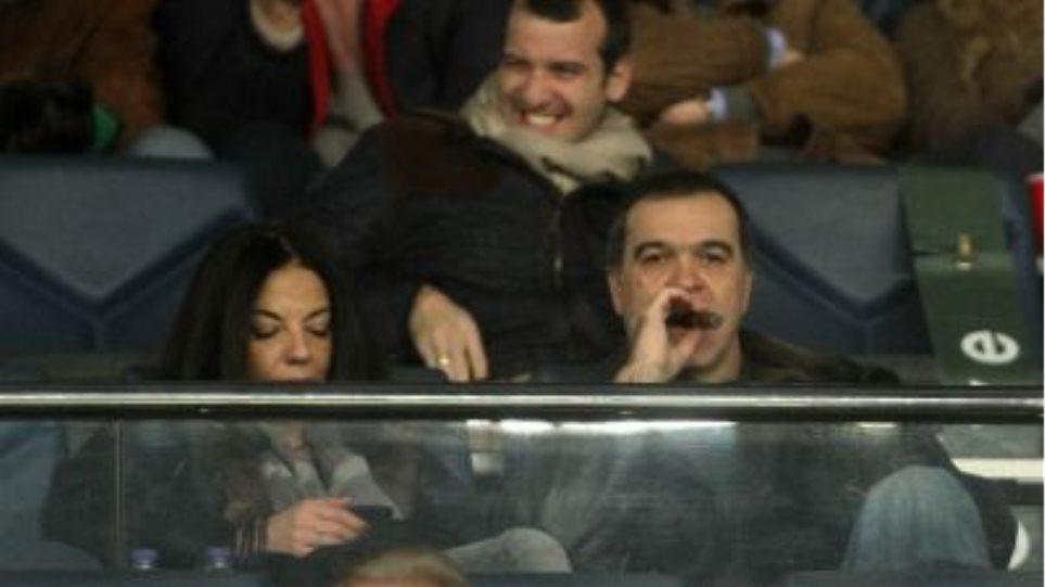 Ο Βγενόπουλος βάζει από 2 έως 15 εκατ. ευρώ