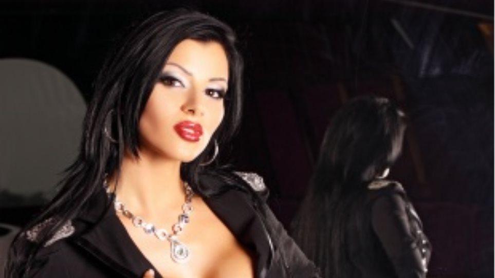 Μαλένα από την Απουλία» με τη βοήθεια του μεγαλύτερου πορνοστάρ της Ιταλίας.