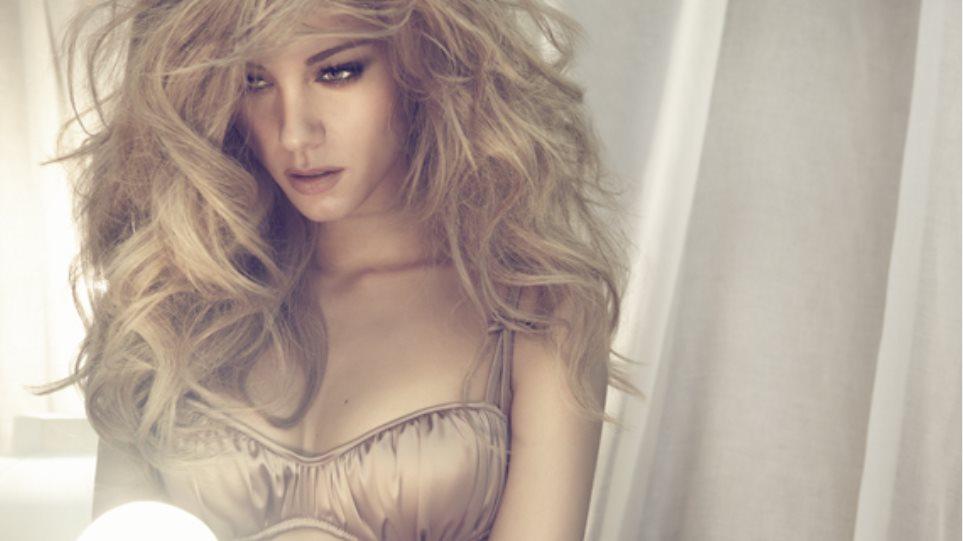 MAD VMA 2014 Beauty Report: Δείτε το εντυπωσιακό nail art