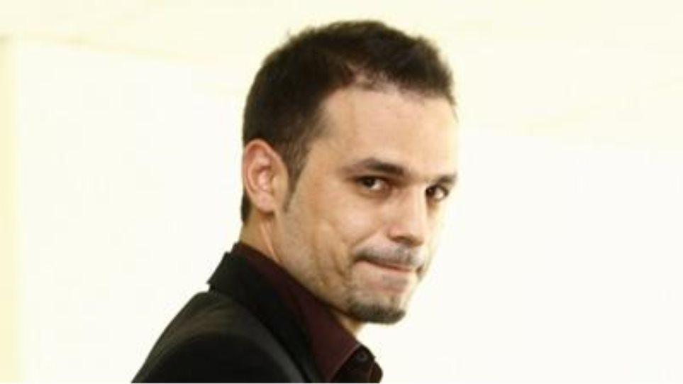 Συνεχίζει τις επαφές ο Ντέμης Νικολαΐδης