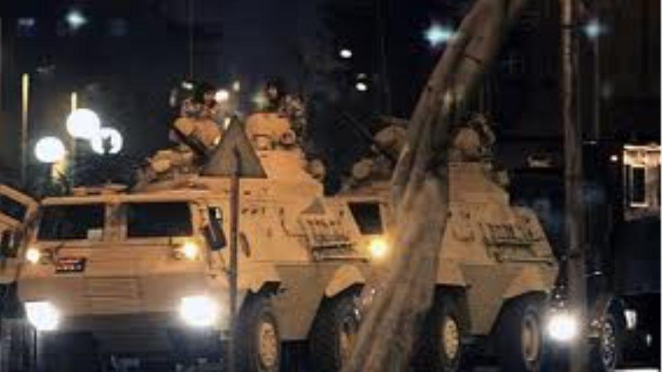 Αίγυπτος: Απαγόρευση κυκλοφορίας από το στρατό τη νύχτα