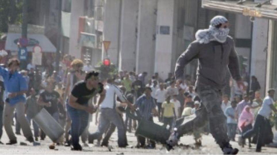 Δακρυγόνα με νεκρούς σε κηδείες στη Δαμασκό