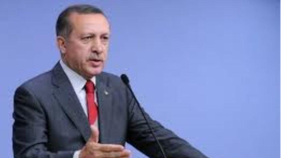 Τουρκία: Κρατά ανοιχτά τα σύνορά της για τους Σύρους πρόσφυγες
