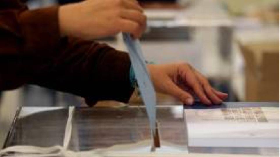 Χωρίς προβλήματα η εκλογική διαδικασία στα Χανιά