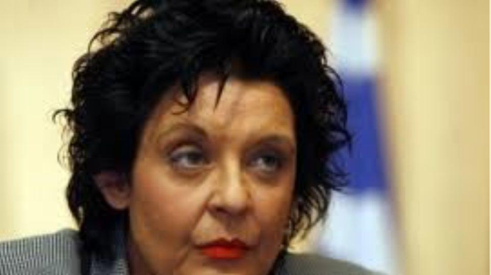 Λ. Κανέλλη: Να παρέμβει η ΕΣΗΕΑ για το «εγέρθητι»