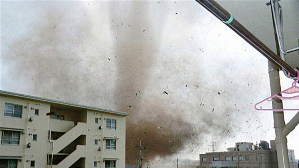 Φονικός τυφώνας στην Ιαπωνία