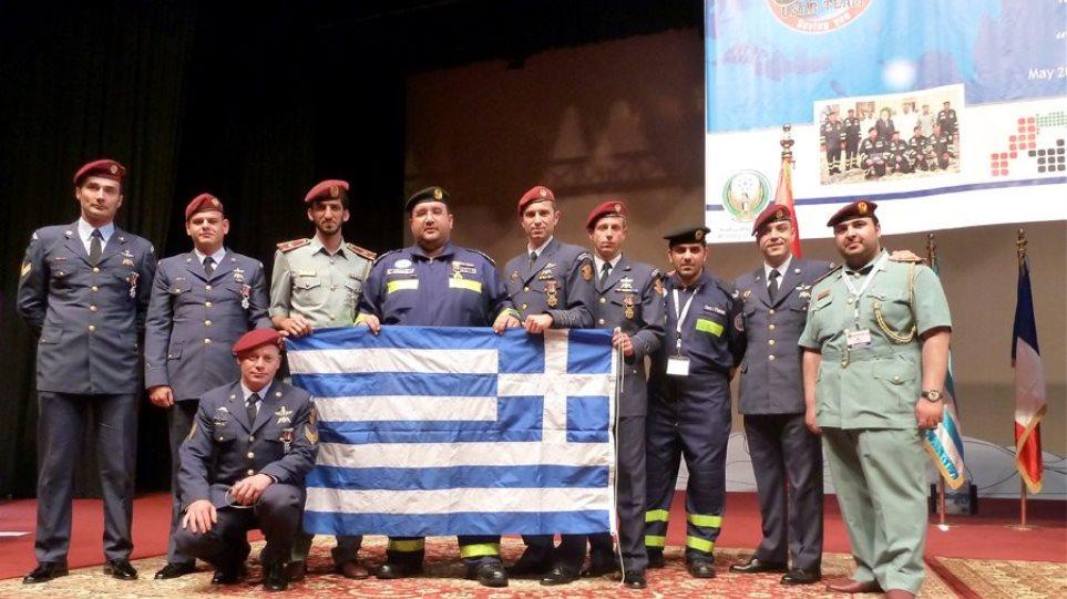 Τα Εμιράτα «υποκλίθηκαν» στην ελληνική Πολεμική Αεροπορία