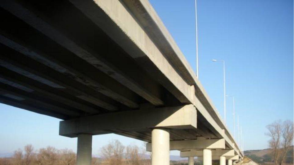 Έργα από τη Δευτέρα στη γέφυρα του ποταμού Αξιού