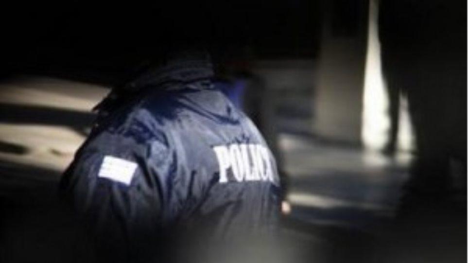 Συνέλαβαν τον απατεώνα και αναζητούν τη συνεργό του