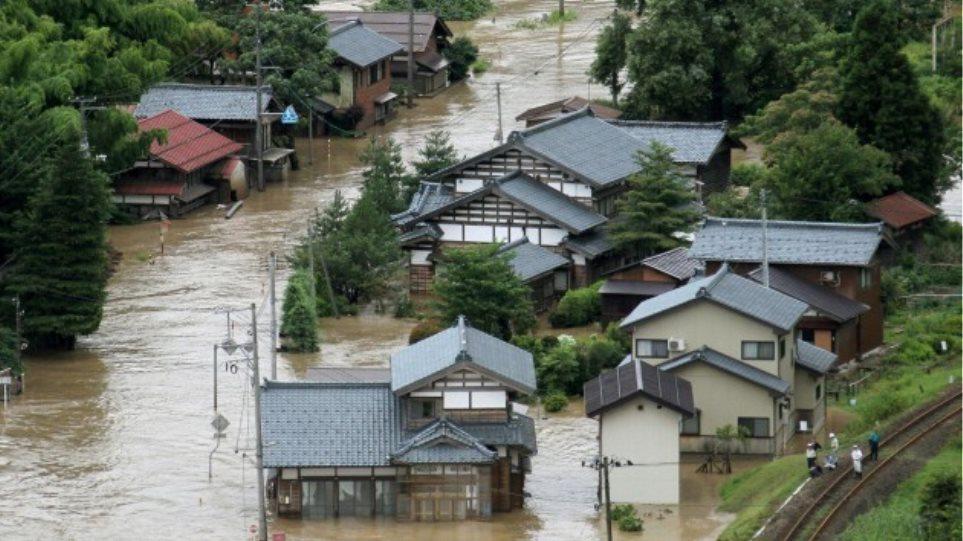 Τουλάχιστον 10 νεκροί από πλημμύρες και κατολισθήσεις στην Ιαπωνία
