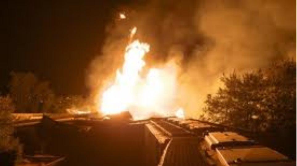 Τρένο στις ΗΠΑ τυλίχτηκε στις φλόγες