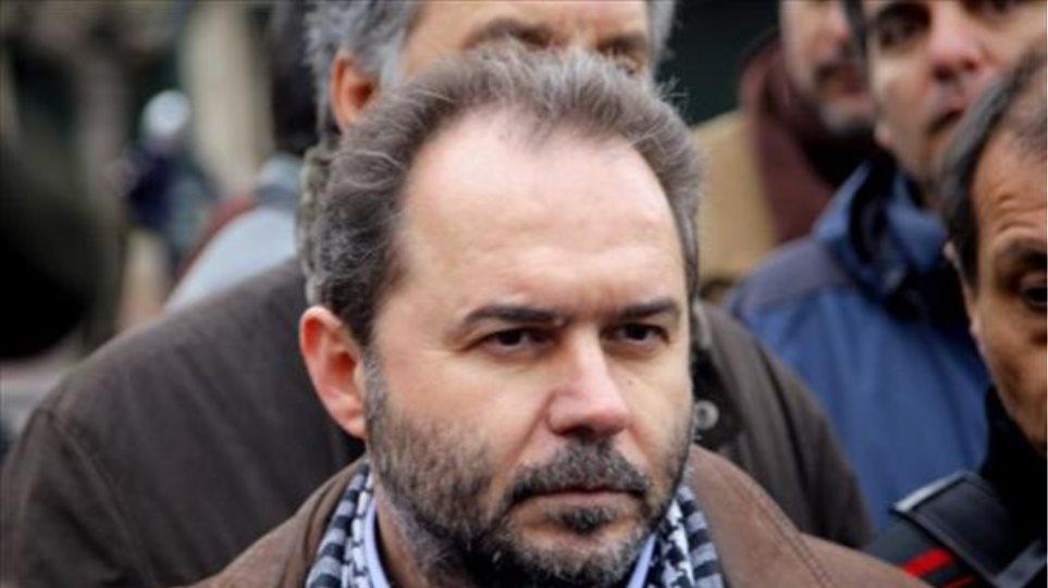 Με κινητοποιήσεις απειλεί ο Φωτόπουλος