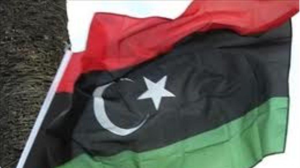 Αφγανιστάν: Ο πρόεδρος Καρζάι καλεί τον Μουλά Όμαρ να επιστρέψει στη χώρα