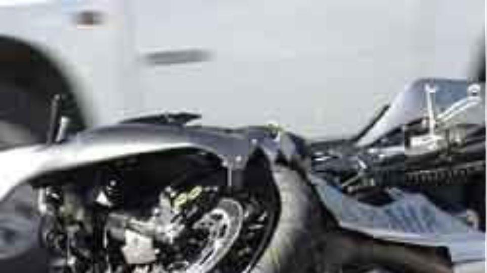 Σε κρίσιμη κατάσταση οδηγός, που «συγκρούστηκε» με σκύλο!