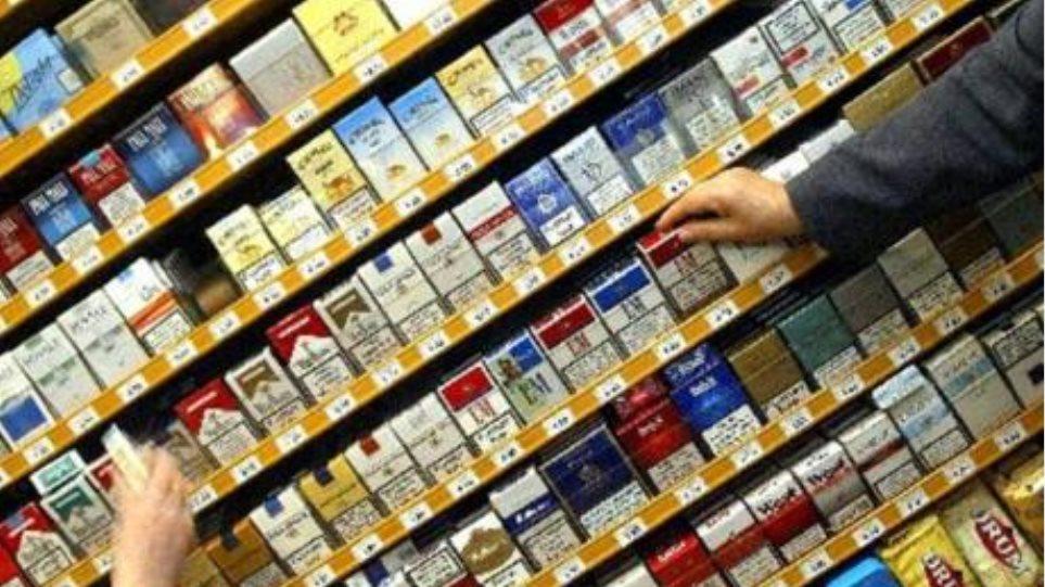"""79χρονος """"μπούκαρε"""" σε κατάστημα ψιλικών για να κλέψει... τσιγάρα!"""