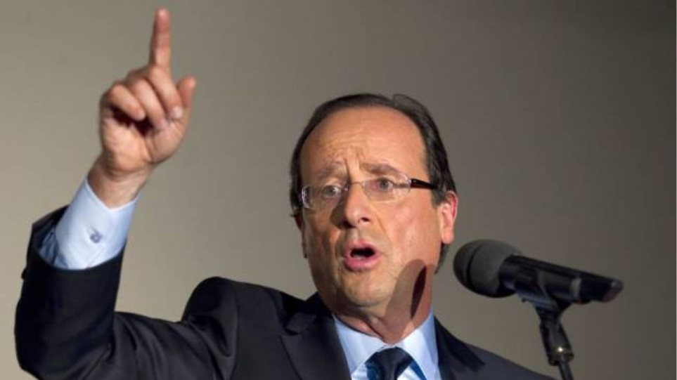 Ολάντ: «Απαράδεκτες» οι απολύσεις στην Peugeot-Citroen