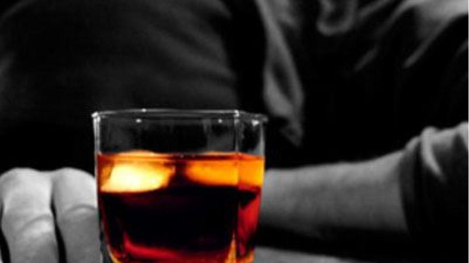 Μεθυσμένος αλλοδαπός  κινδύνευσε να πνιγεί στη Χίο!