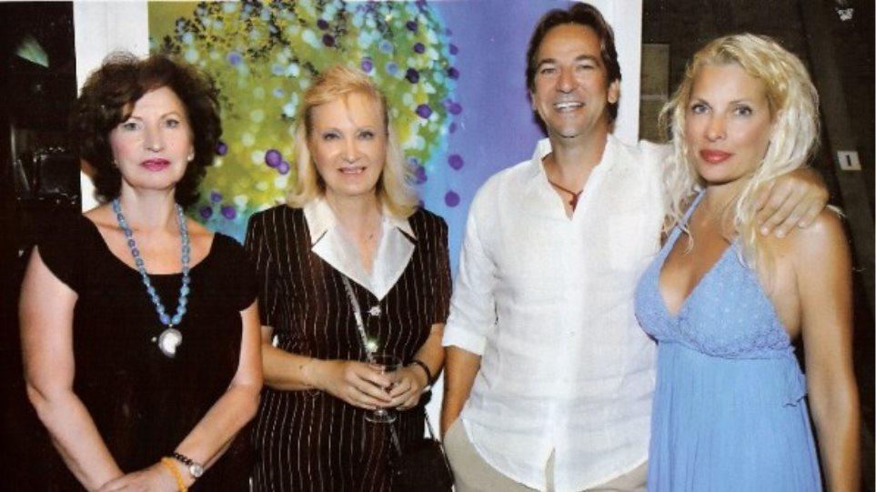 Ελένη Μενεγάκη: Σε έκθεση φωτογραφίας με τον Ματέο και τη μαμά του!