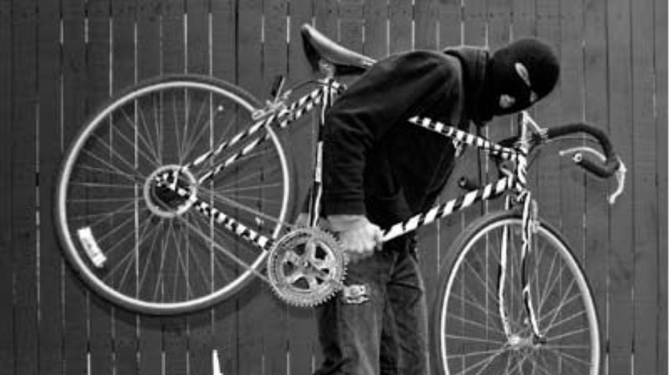 73χρονος ξυλοκοπήθηκε άγρια για ένα ποδήλατο!