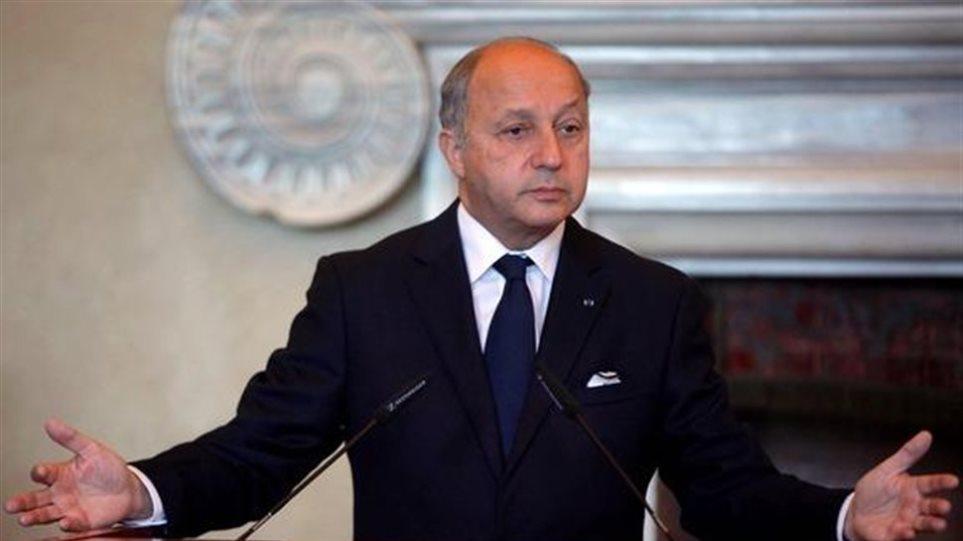 Το Παρίσι ζητά από την Μόσχα να πιέσει οικονομικά τη Δαμασκό