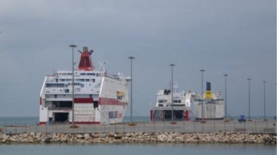 Συνελήφθησαν αλλοδαποί με πλαστά διαβατήρια στο λιμάνι της Πάτρας