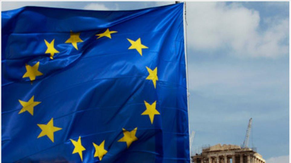 Reuters: Μέτρα 13,5 δισ. ευρώ αναζητά η Ελλάδα