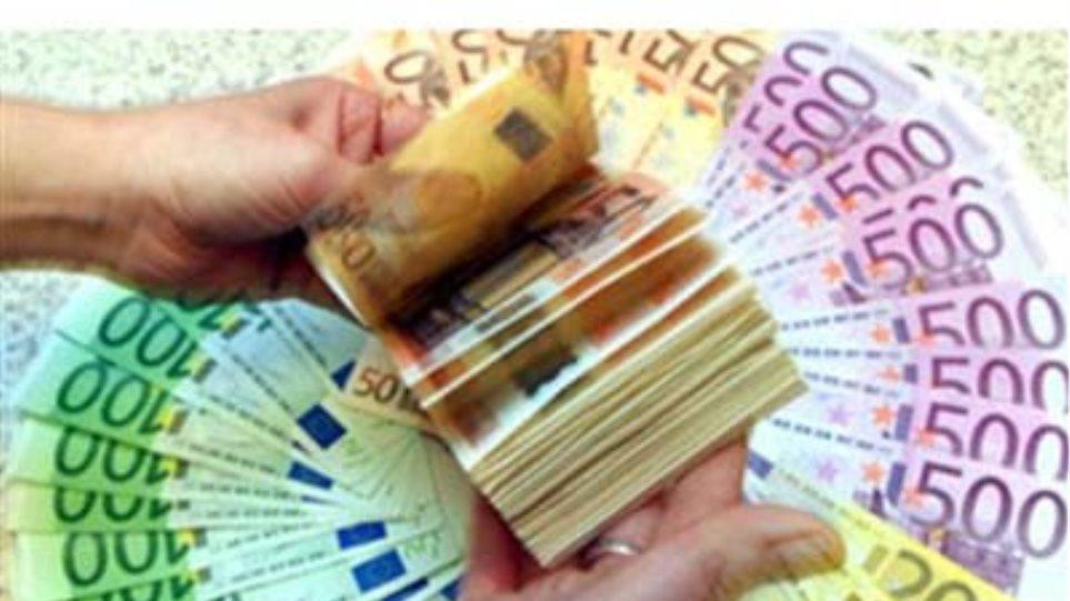Οι επενδυτές επιστρέφουν στα ελληνικά ομόλογα