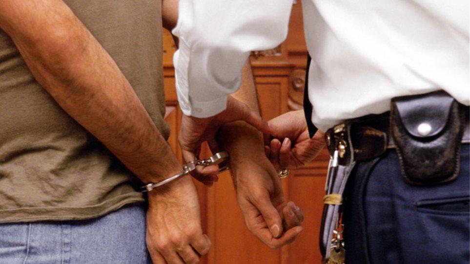 Πιερία: Σύλληψη ηδονοβλεψία σε παραλία