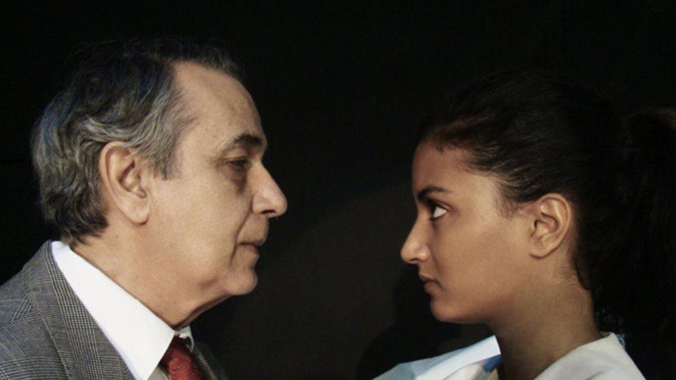 Ο Κώστας Αρζόγλου ξανά στη σκηνή με την κόρη του