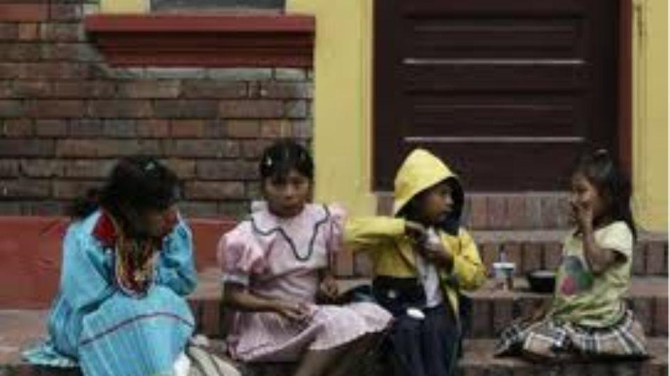 Σχεδόν 1,5 εκατ. ανήλικα παιδιά εργάζονται στην Κολομβία