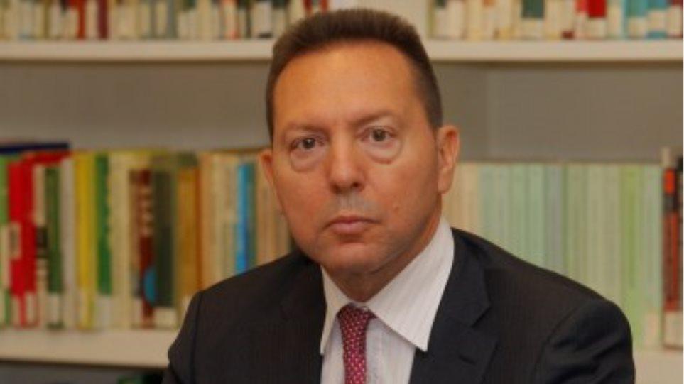 Αμετακίνητος ο Στουρνάρας για το κλείσιμο των ΔΟΥ στην Κοζάνη