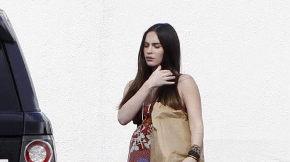 Στο έβδομο μήνα της εγκυμοσύνης της η Megan Fox