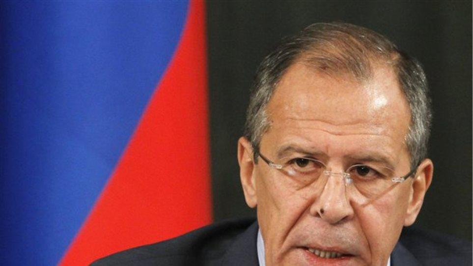 Μόσχα: «Αφελείς» θέσεις από δυτικούς και Αραβες για τη Συρία